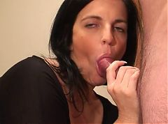 Hot MILF gives another perfect blow & tonguejob